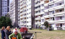 Fröhliches Balkonsingen mit Clown Fidolo